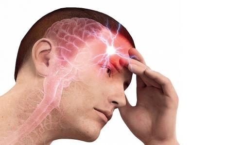 Чаще всего боли образуются в области затылка или лба